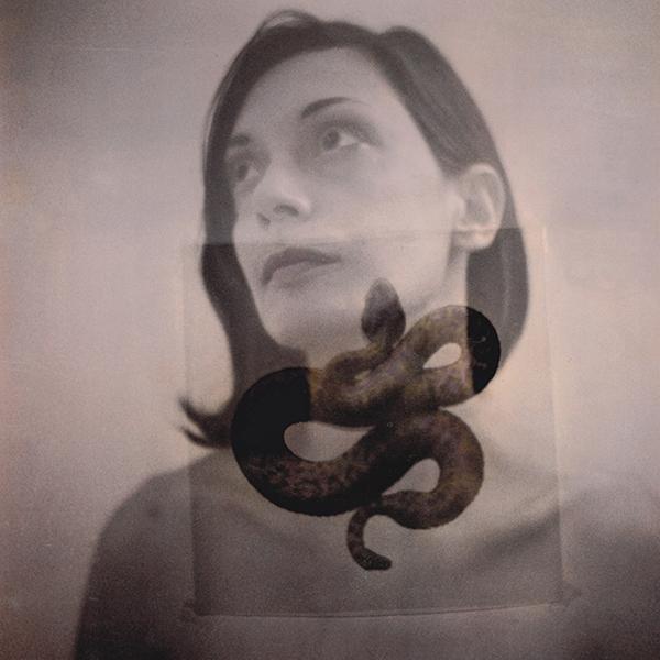 Donna con serpente 2 doppia esposizione